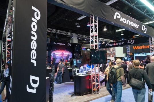 NAMM 2014 Pioneer DJブース