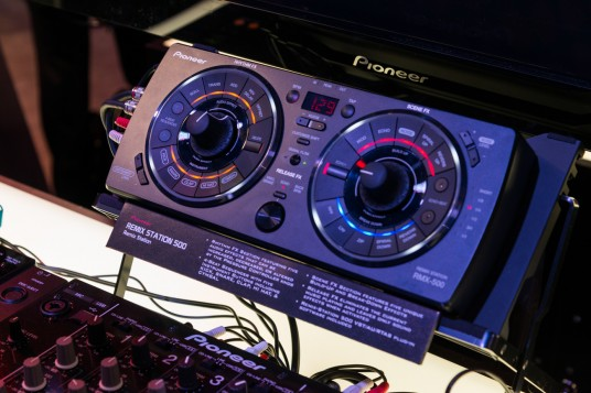 NAMM 2014 Pionner REMIX-STATION 500