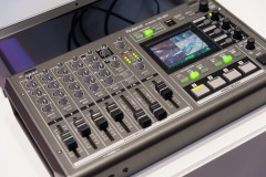 NAMM 2014 Roland VR-3EX