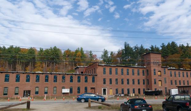 NAMM2014 米・ニューハンプシャー州ミルフォードの本社。周囲は米国内でも自然保護区域が点在する自然に囲まれた環境。