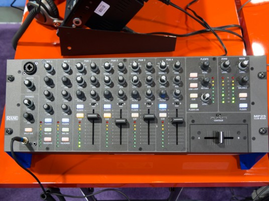 Namm2015Day2_A_127