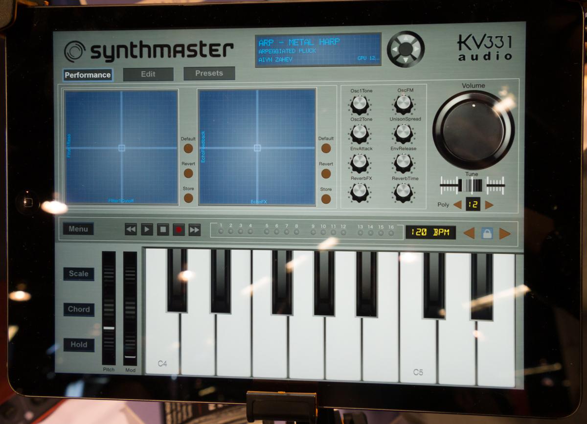 NAMM2015 : KV331 AUDIO